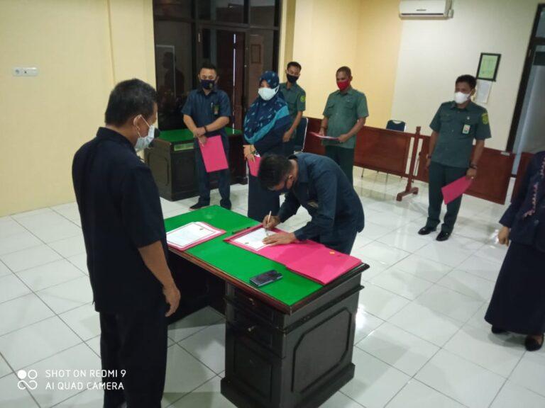 Penanda tanganan Pakta Integritas 4